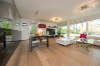Apartment with garden Sunshine
