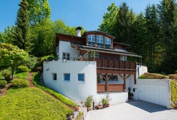Designer house Mountainscape
